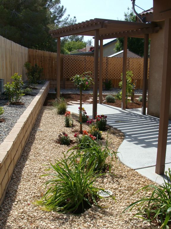Desert Backyard Makeover : side yard gets a low maintenance makeover with a low water bill as